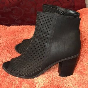 NWTO Brand New Black Ankle Boots.